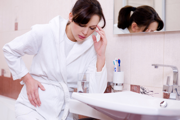 Pregnant-woman-with-morning-sickness